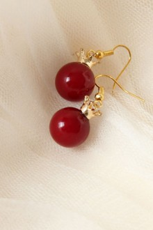 Crown Delicate Minimalist Red Pearl Earrings